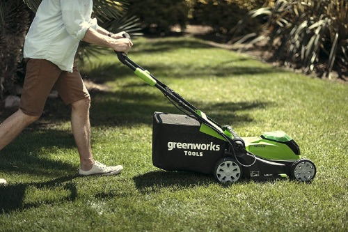 Greenworks G40LM41K2x Cordless Lawnmower Review